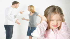 Caz solutionat – Divort cu minori, exercitarea autoritatii parintesti de catre un singur parinte, program vizita minor la domiciliul mamei, pensie de intretinere din strainatate