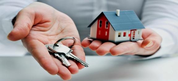 Caz soluționat – stingerea datoriilor din contractul de credit ulterior valorificării de către Bancă, prin executare silită, a imobilului ipotecat