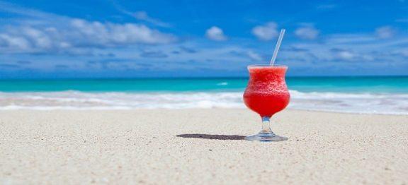 Cum recuperăm banii de la agenția de turism pentru vacanța anulată din cauza coronavirusului?